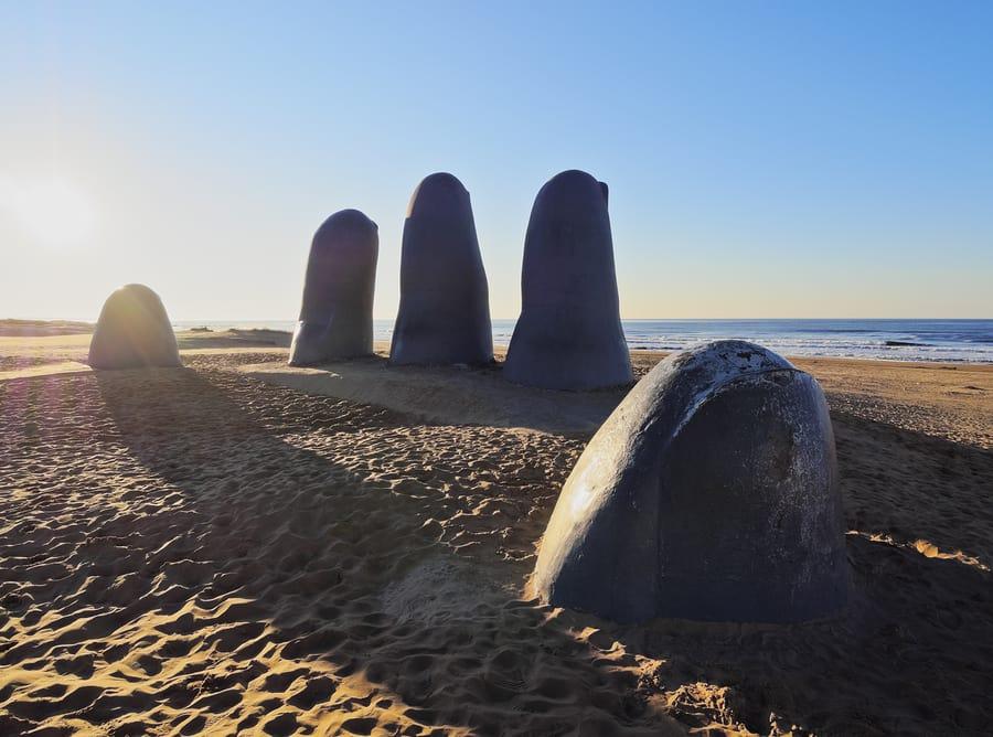 Monumento Los Dedos, Punta del Este, Uruguai.