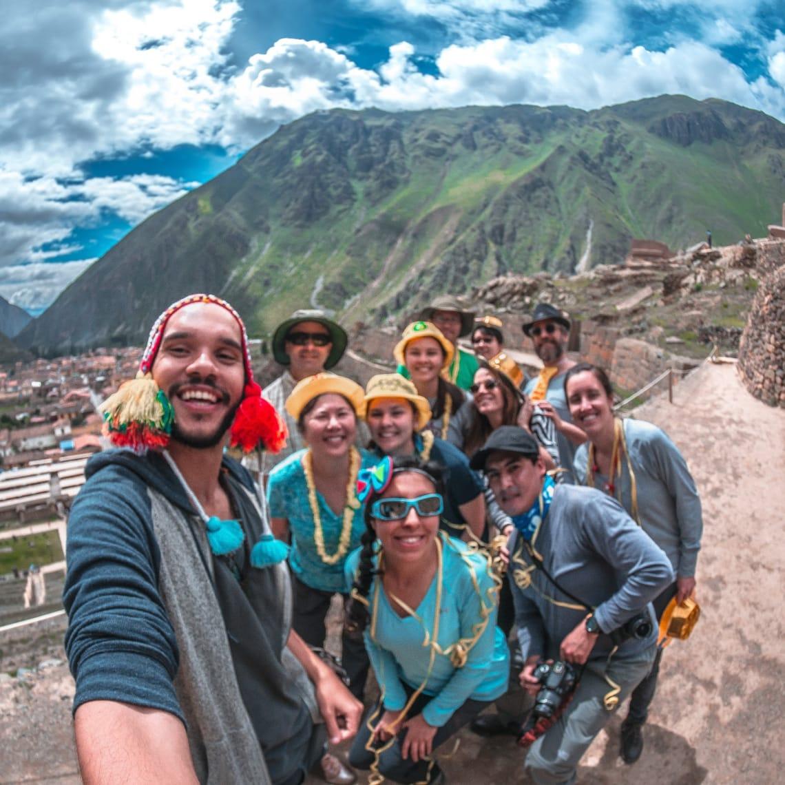 Grupo de viajantes que me acompanharam na visita à Ollantaytambo no Peru.