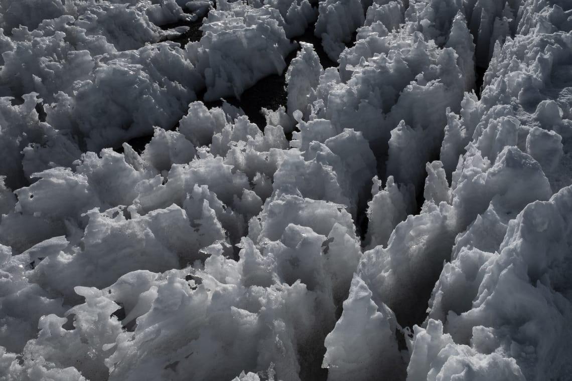 Kilimanjaro: hacer el trekking más alto de África - Worldpackers - nieve en la cima del kilimanjaro