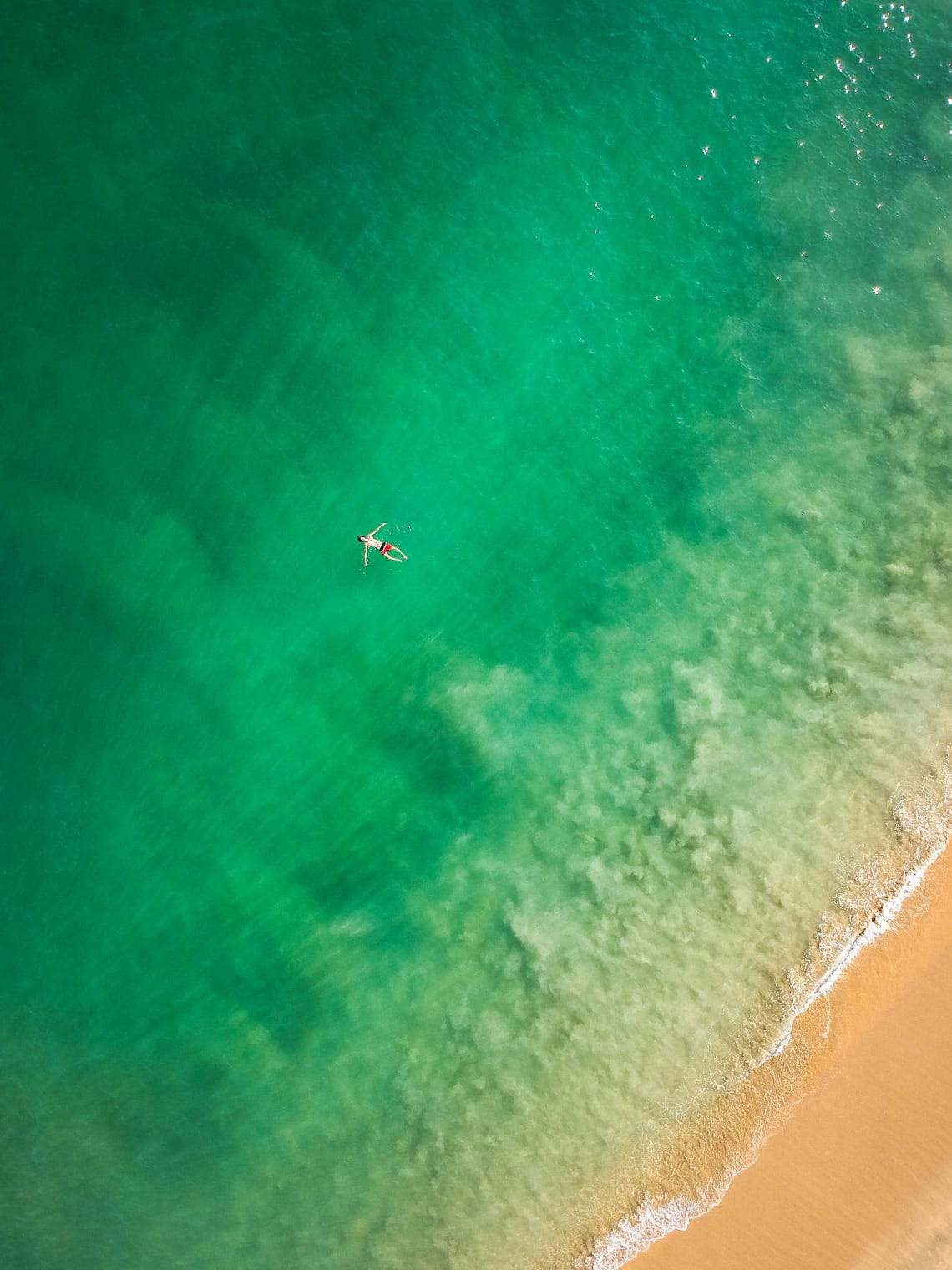 Hacer un voluntariado en Tulum mientras ahorras mucho dinero - Worldpackers - vista aerea de playa mexico