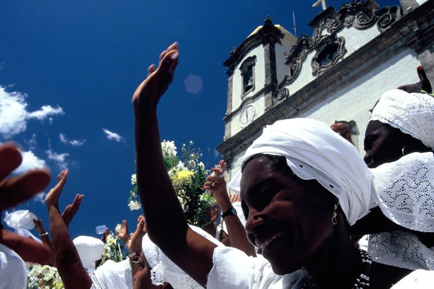 A lavagem das escadarias da Igreja do Nosso Senhor do Bonfim é uma das principais festas populares brasileiras
