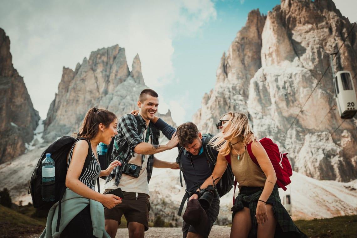 viajantes juntos em co-living