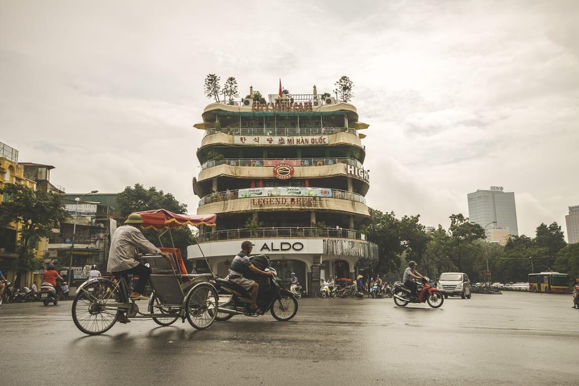 Realizar un voluntariado en Vietnam: lo que debes saber - Calle en Hanoi - Worldpackers
