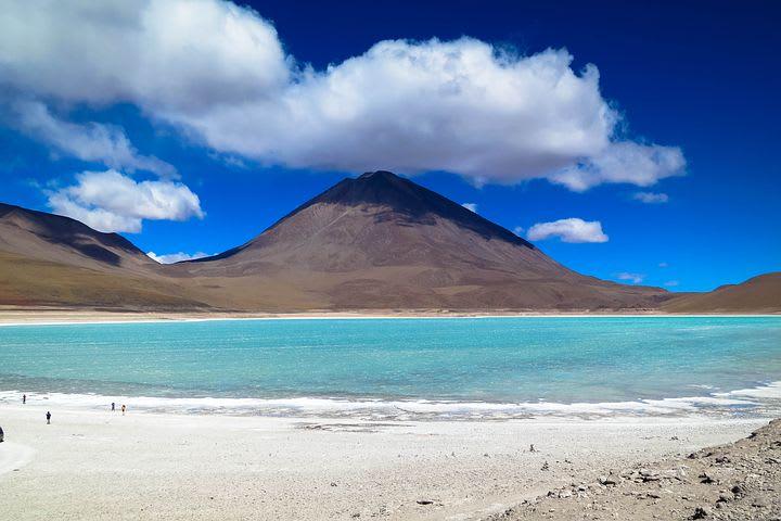 Cómo viajar por el norte de Chile con bajo presupuesto - Worldpackers - Lago Salado en el norte de Chile