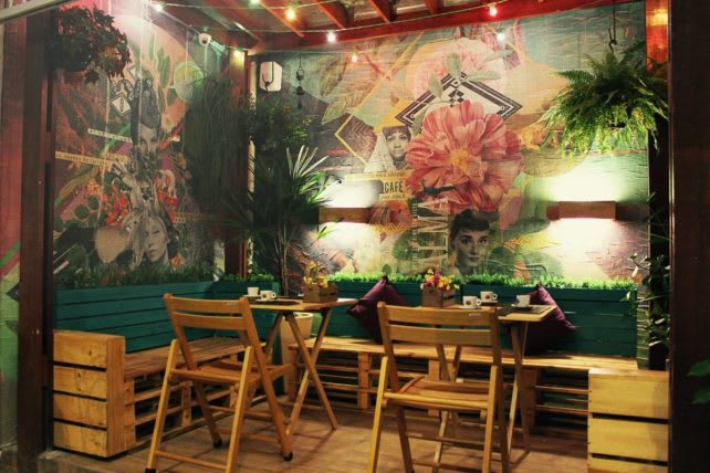 Passeios no Recife: Restaurante no bairro Espinehiro