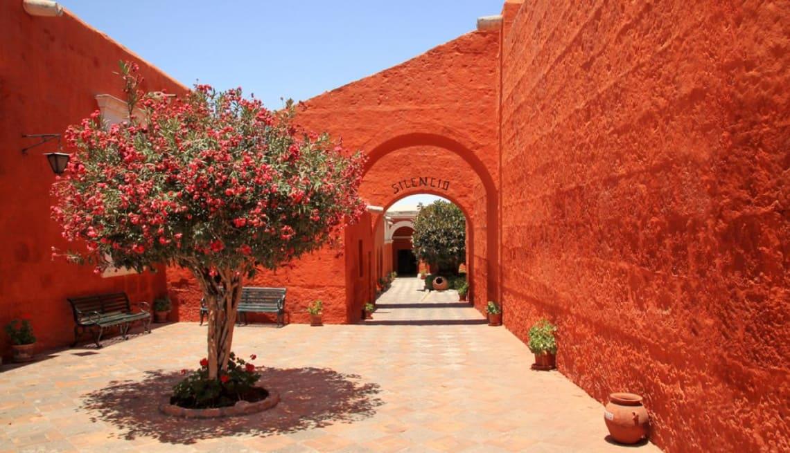 Todas las cosas que hacer en Arequipa y sus alrededores - Worldpackers - Monasterio de Santa Catarina de Siena
