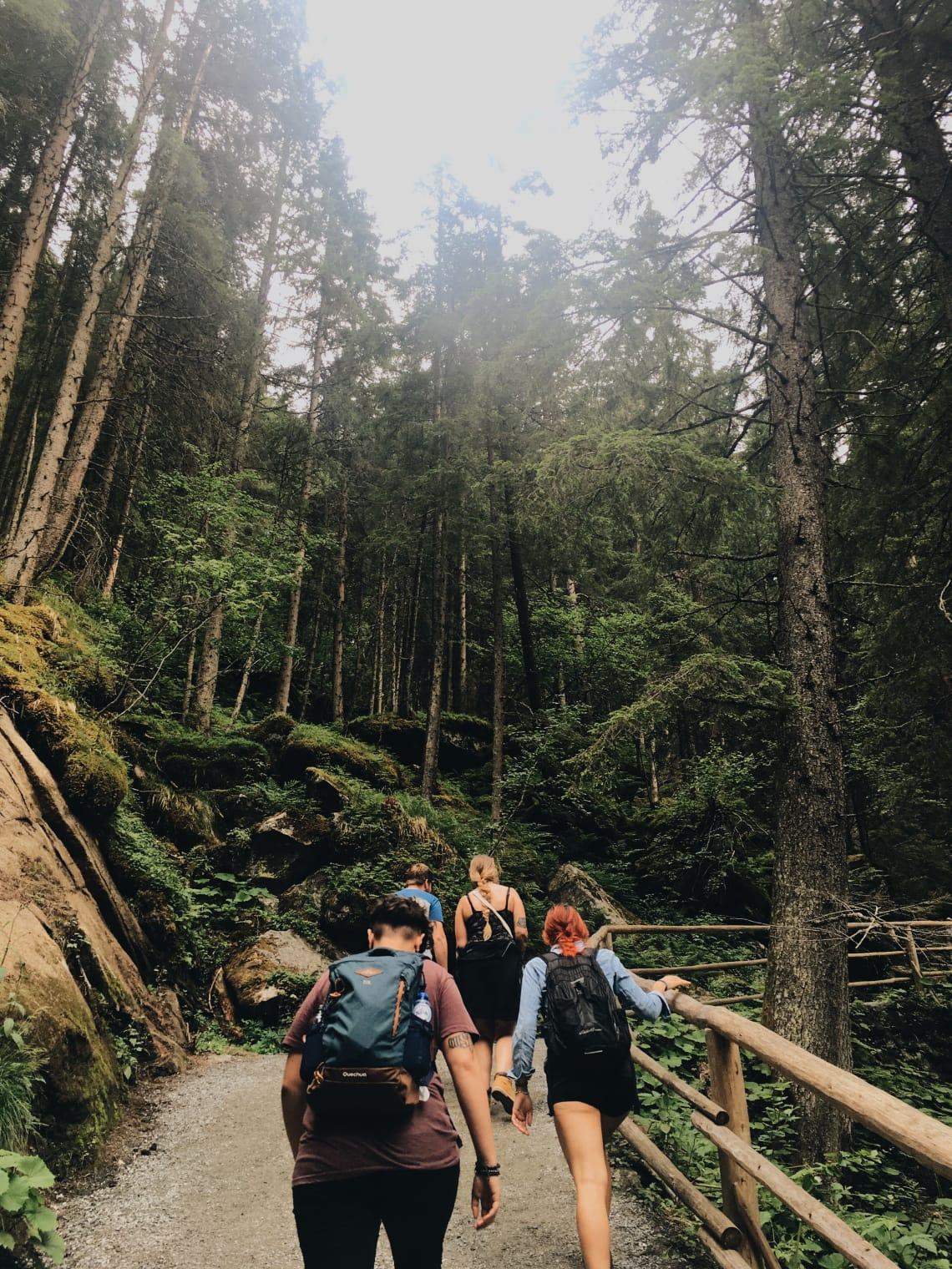 Subindo a Krimmler Wasserfälle, cachoeira mais alta da Áustria