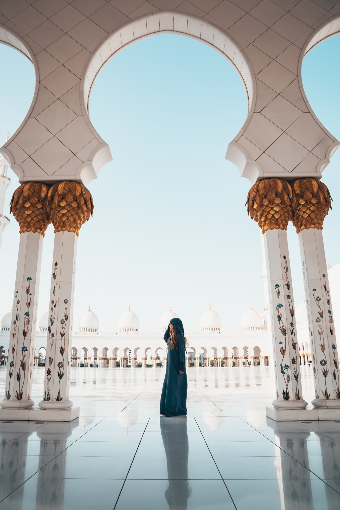woman visiting mosque in Malaysa