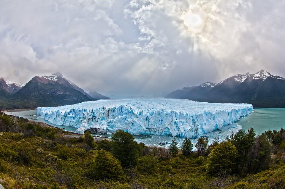 6 experiencias de vida que sólo podrás tener viajando por Sudamérica - Worldpackers - glaciar perito moreno en la patagonia argentina