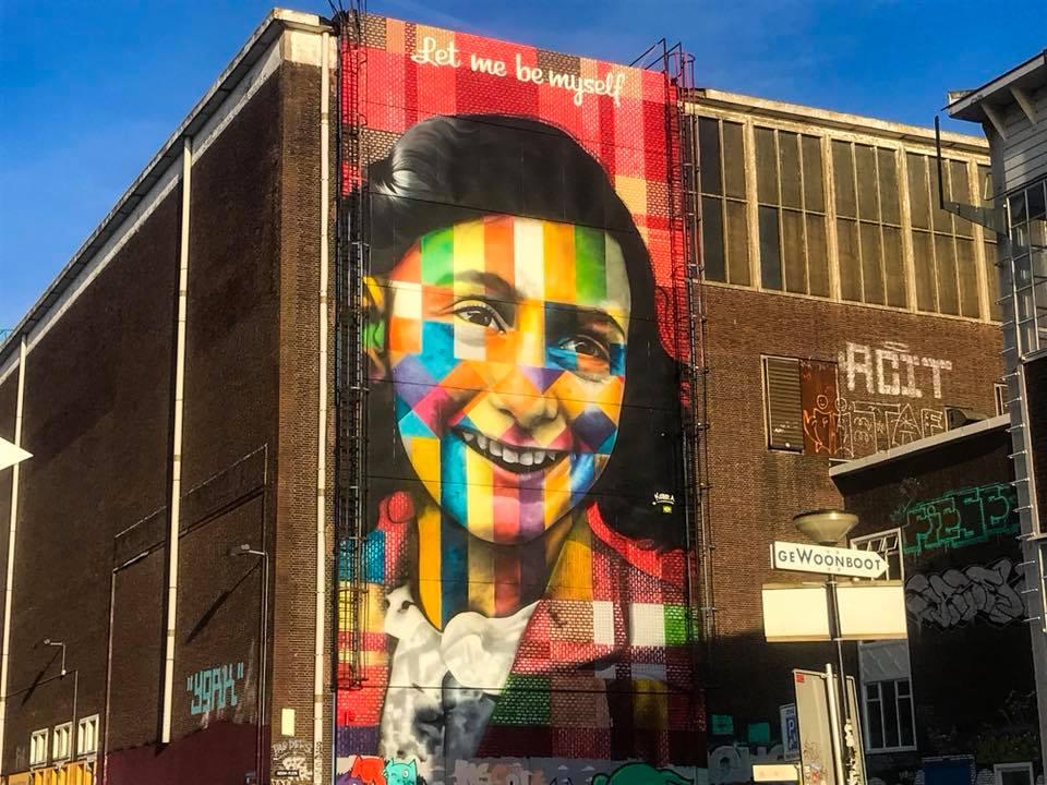 Mural de Anne Frank no bairro NSDM