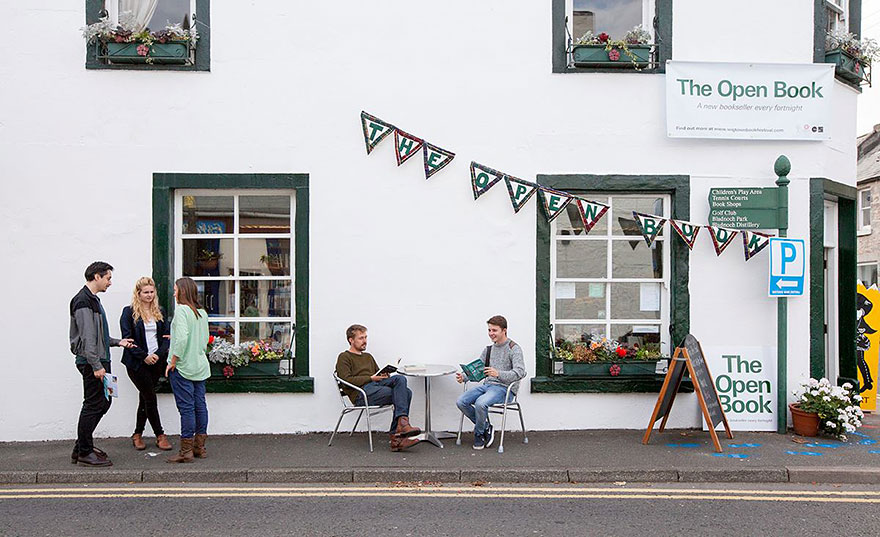 Bookshop holiday by the sea in Scotland