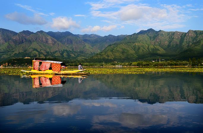 Kashmir: The Forgotten Paradise