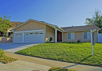 825 Muirfield Ave, Simi Valley, CA 93065