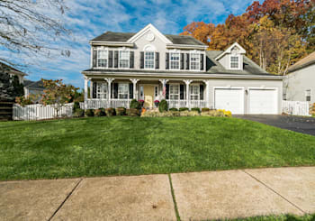 111 Equestrian Dr, New Hope, PA 18938