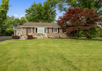 8 Newville Rd, Chalfont, PA 18914
