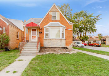 2958 N Neenah Ave, Chicago, IL 60634