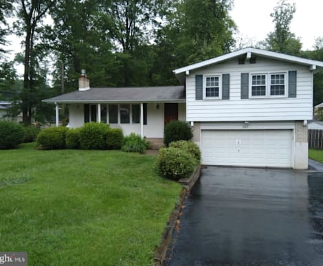 565 Overlook Ave, Huntingdon Valley, PA 19006