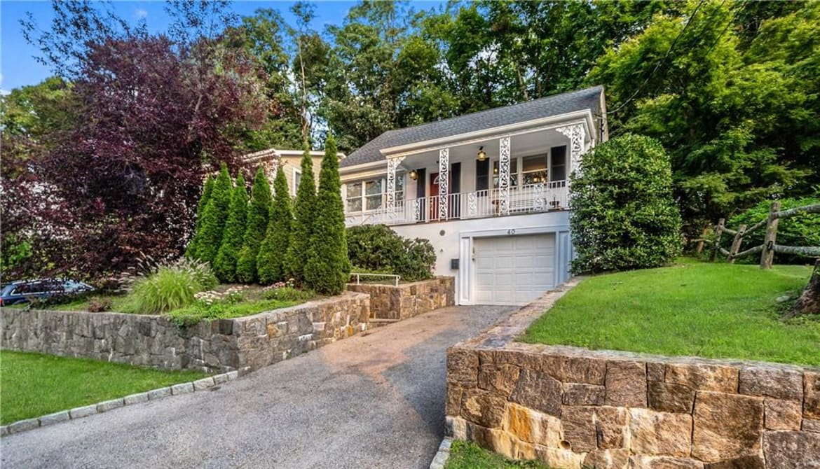 Just Sold: 40 Parkway Circle, Eastchester