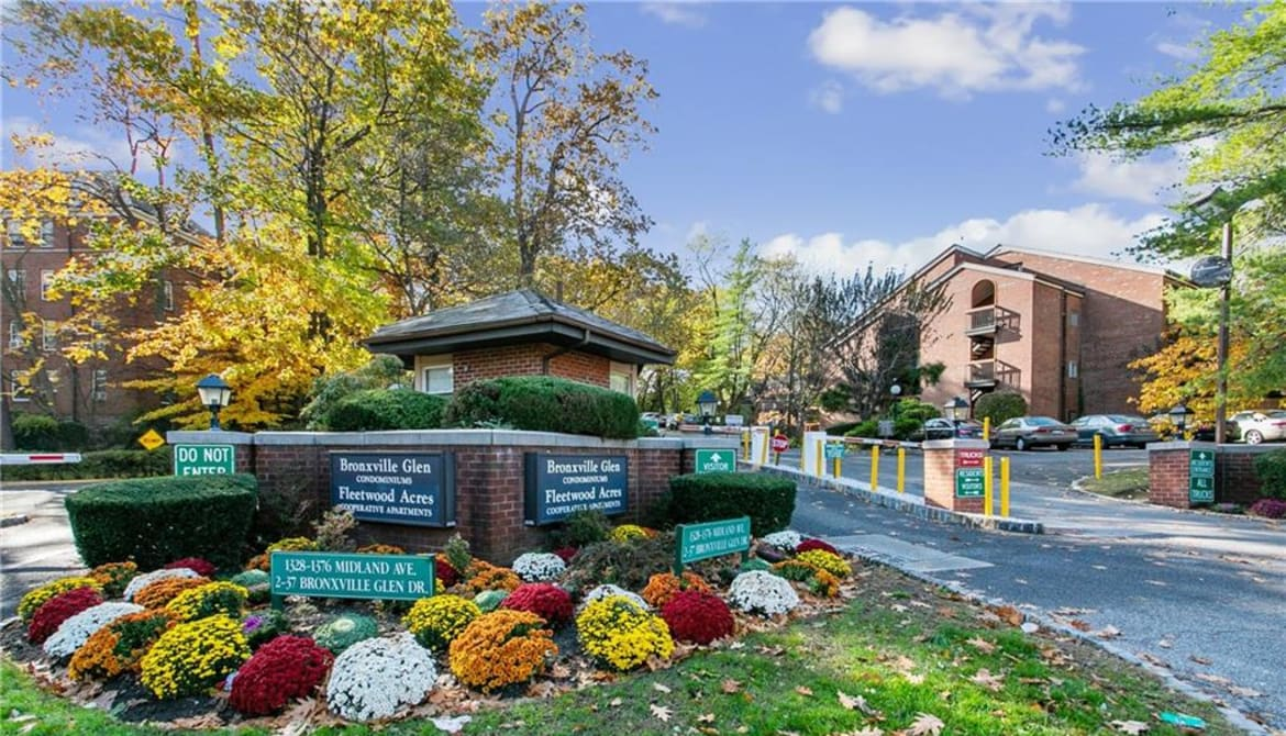 Just Sold: 1374 Midland Avenue Unit: 515, Yonkers