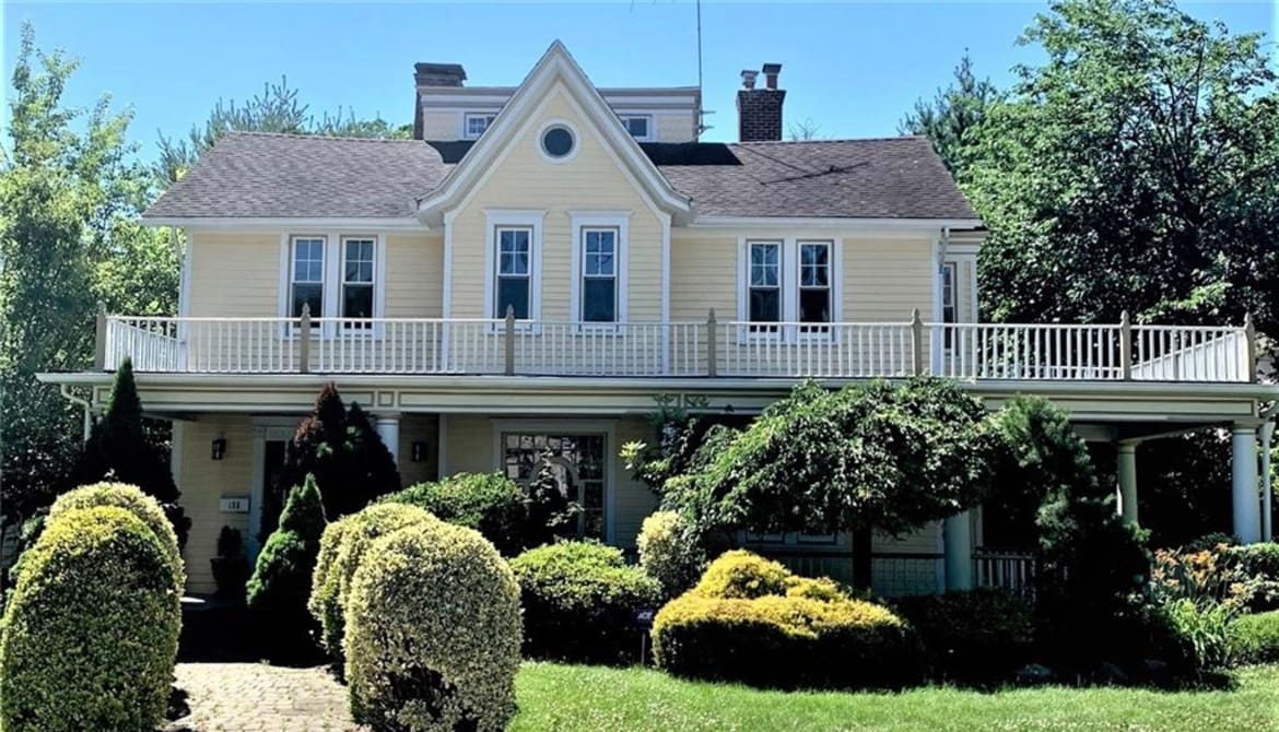 Just Listed: 158 Sutton Manor Road, New Rochelle