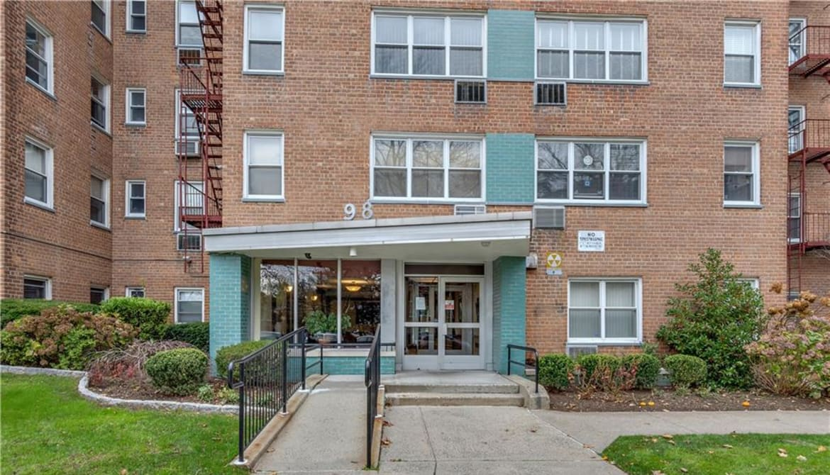 Just Listed: 98 Dehaven Drive Unit: A1, Yonkers