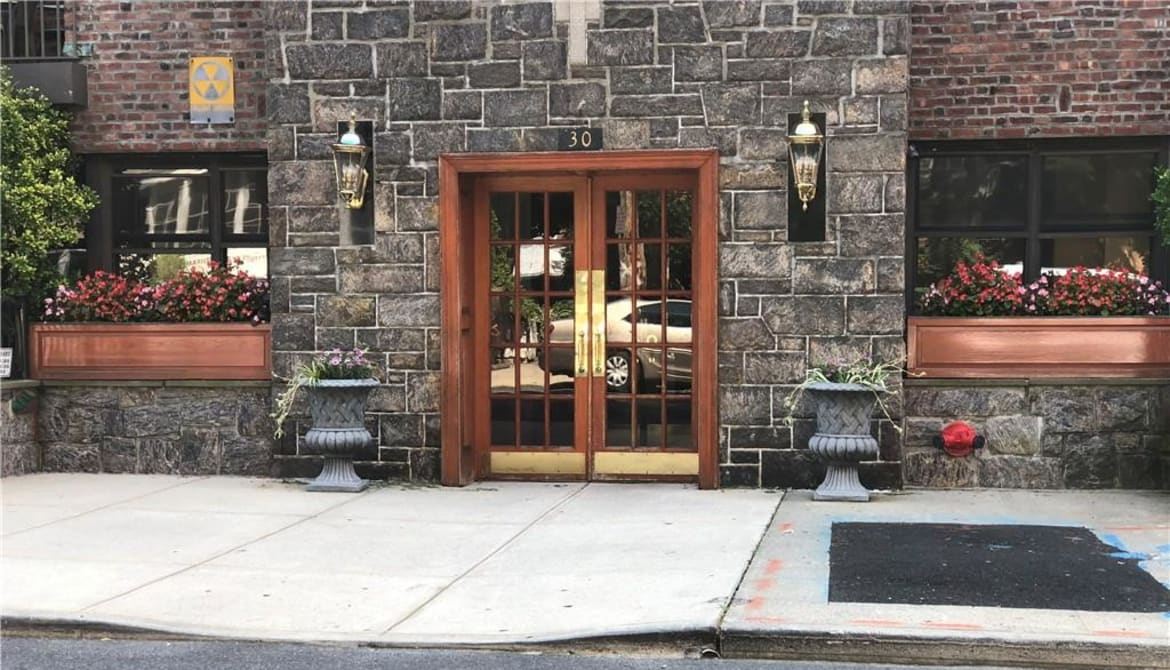 Just Listed: 30 Clinton Place Unit: 2H, New Rochelle