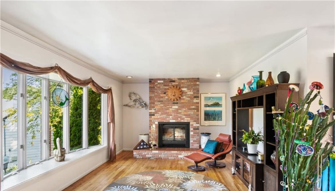Just Listed: 335 Victory Boulevard, New Rochelle