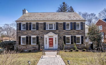 Upper Wyoming Center Hall Colonial Available: 41 Crestwood Drive, Maplewood
