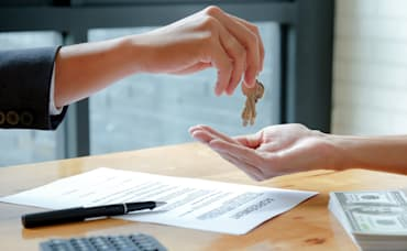 Can I Buy Another House Before I Sell Mine? 4 Things You Should Know