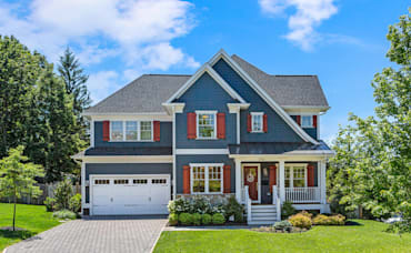 Should I Sell My House Now or Wait: 4 Key Considerations