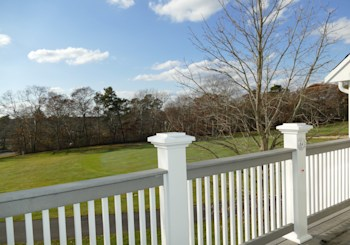 615 White Cliff Dr, Plymouth, MA 02360