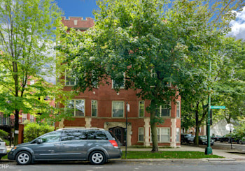 Awesome Remodeled Condo in Prime Edgewater Glen!