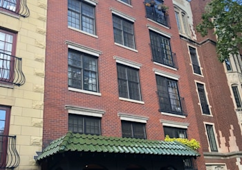 Awesome Lakeview Condo (NOT on MLS)!!