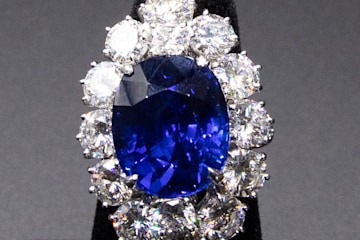 Van Cleef and Arpels Sapphire Diamond Ring