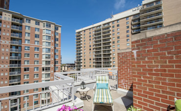 Open Houses Arlington VA (Sunday May 1 from 2-4 pm)