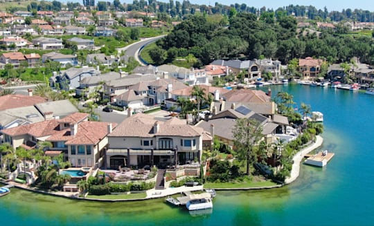 Mission Viejo Lake Living