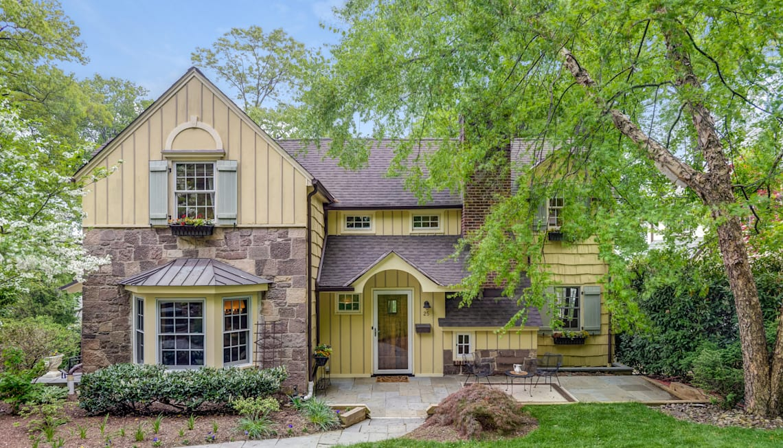 25 Crestwood Drive, Maplewood Available