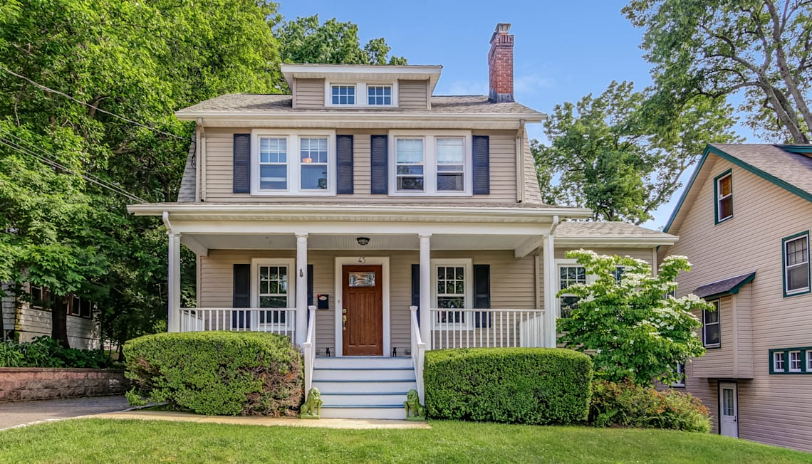 Move-in-Ready Colonial Available in West Orange Gregory Neighborhood 45 Lawrence Ave.
