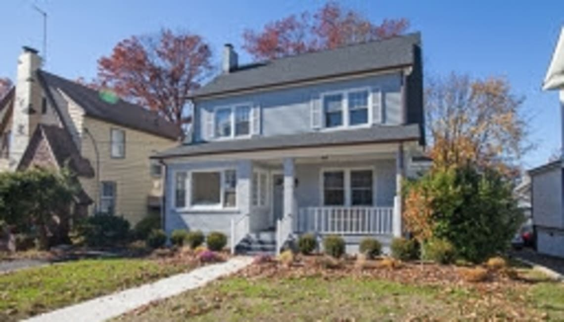 If You're Thinking Of Living In…Maplewood's College Hill Neighborhood