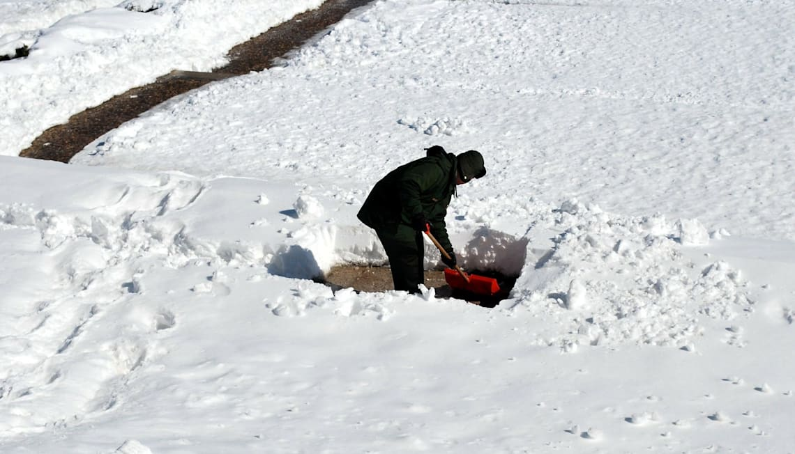 Snow Removal Tips for Your First Winter