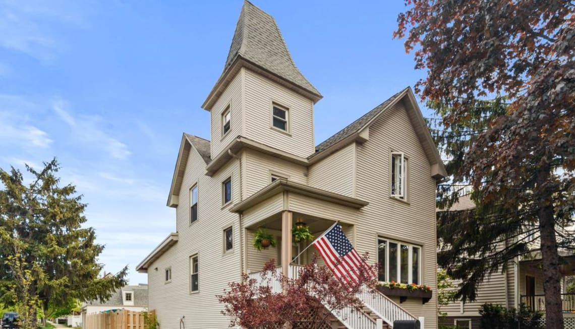 Just Listed: 4159 N Kildare Avenue, Chicago