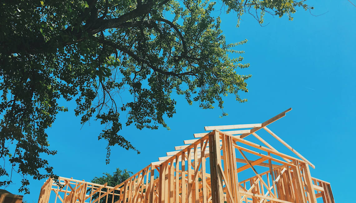 How to Save Money When Building a House: 10 EXPERT Tips