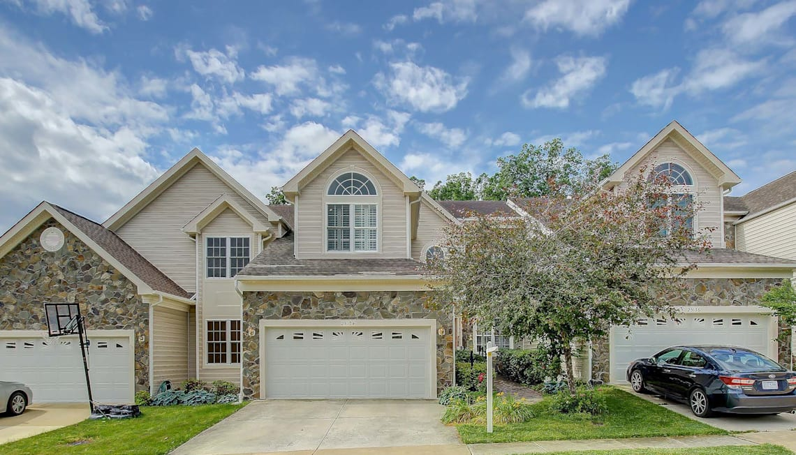 Just Listed: Gorgeous Carriage Home In South Riding, VA