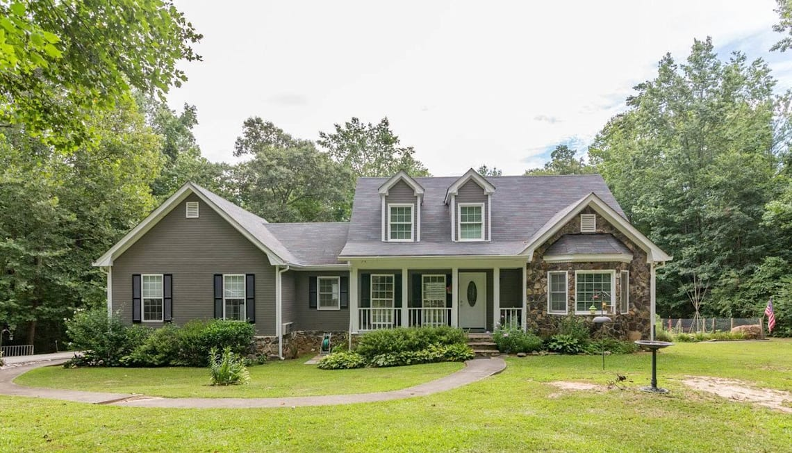 Just Listed: 3025 Jennifer Ct, Conyers