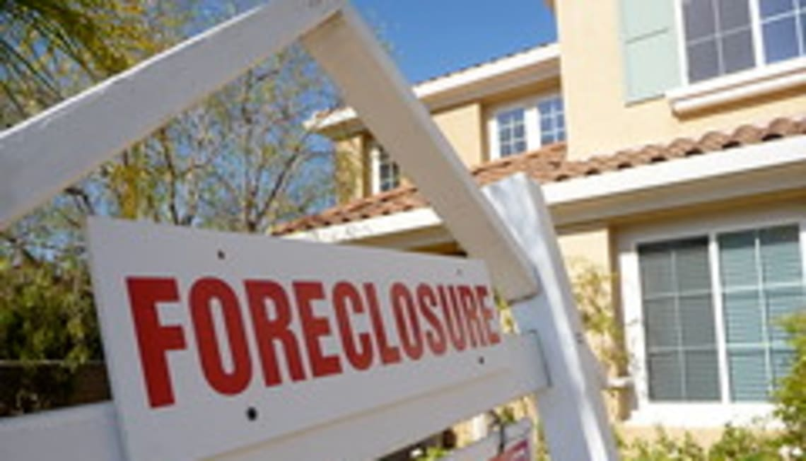 Follow the money: foreclosures beat loan modifications any day…for the bank.