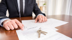 What Does an Escrow Agent Do?