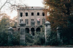 Your Guide To The Best Haunted Houses In and Around Northern Virginia