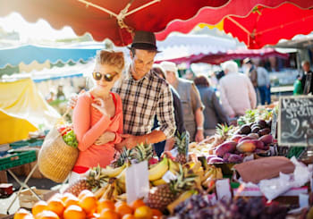 Buy Fresh Produce Year Round at These Local Farmers Markets