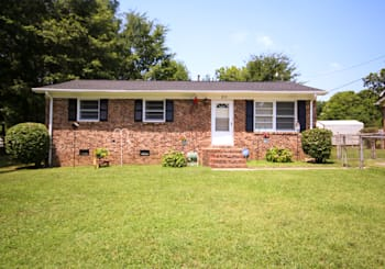 211 S SYCAMORE ST, MOORESVILLE NC FOR SALE