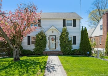 Just Listed: 136 Ramsey Avenue, Yonkers